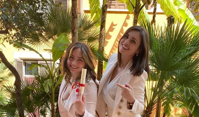 Ponosna mama: Kćerka Amre Džeko diplomirala
